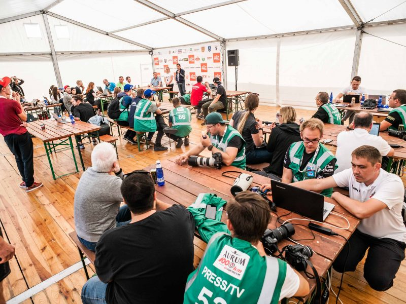 """""""Aurum 1006 km lenktynės"""": pirmasis rekordas – spaudos centre"""