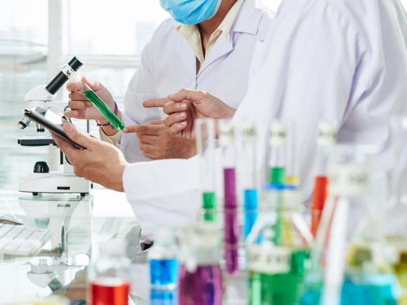 Profesorius apie investicijas į mokslinius tyrimus: didelės grąžos iš karto tikėtis nevertėtų