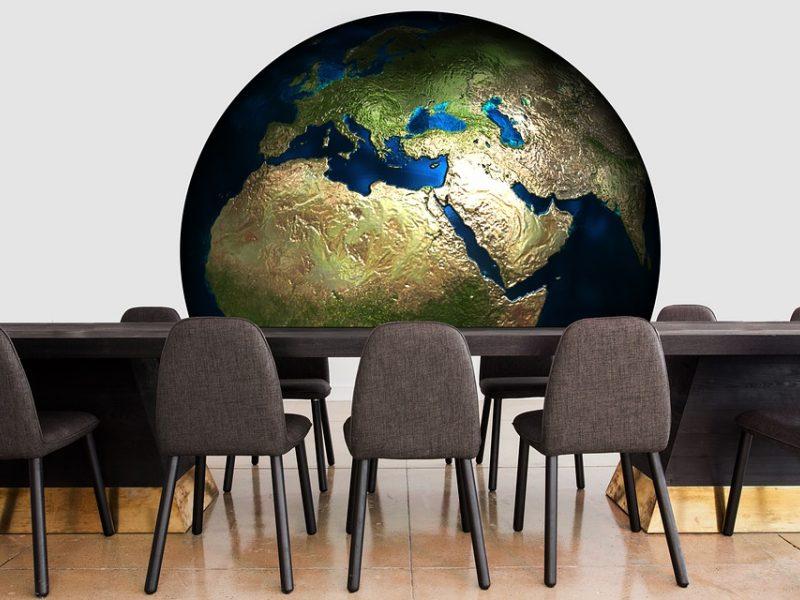 Pasaulio skola triskart viršija BVP