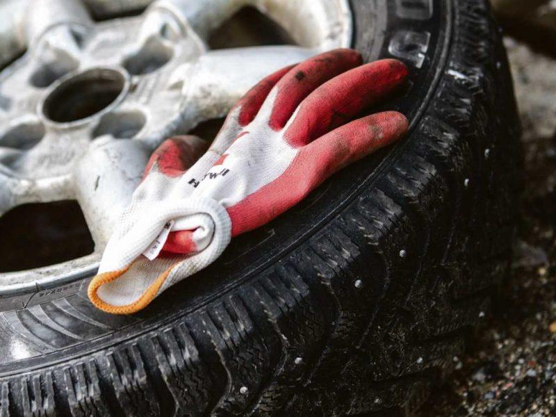 Automobilio priežiūros priemonės: kur dėti susidariusias atliekas?