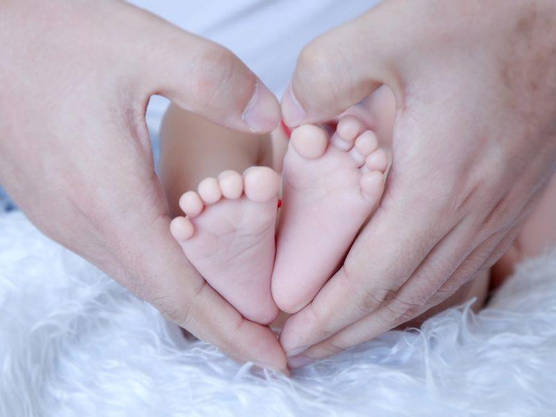 Lenkijoje pirmąkart gimė šešetukas