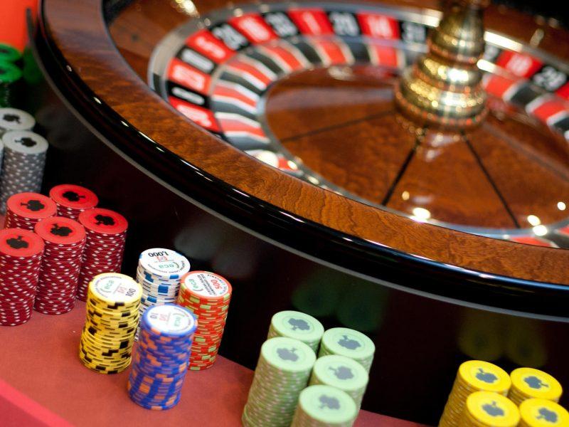 """""""Savas kazino"""" uždrausta organizuoti lošimus vienuose lošimų namų"""