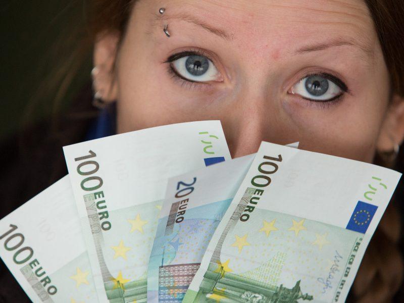 A. Izgorodinas: teiginys, kad atlyginimai Lietuvoje auga sparčiausiai ES, – mitas