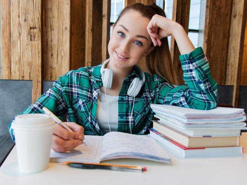 Pradedamos priimti paraiškos paramai studijoms užsienio universitetuose