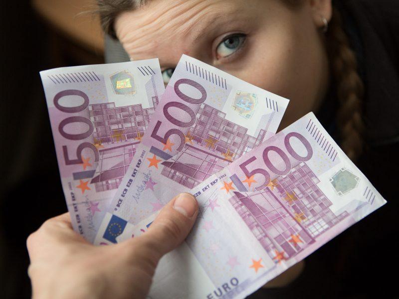 """""""Bin Ladenu"""" vadinamos kupiūros neliks: stambius pinigus mėgsta tik nusikaltėliai?"""