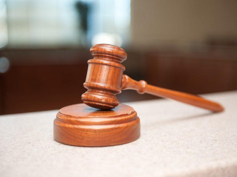 Siūloma trumpinti teisinės pagalbos iš užsienio kelią