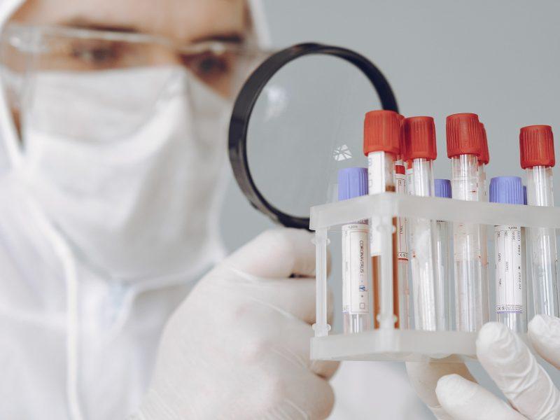 Plečiamos COVID-19 diagnostikos galimybės: testus jau atlieka ir Antakalnio poliklinika