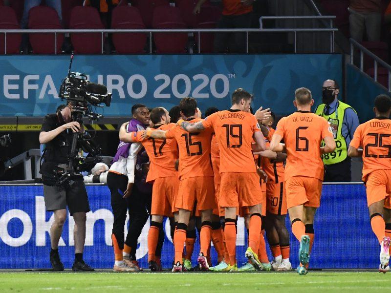 Europos futbolo čempionatas: Nyderlandai–Ukraina 3:2