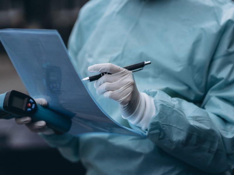 Prancūzijoje COVID-19 epidemijos aukų skaičius viršijo 50 tūkst.
