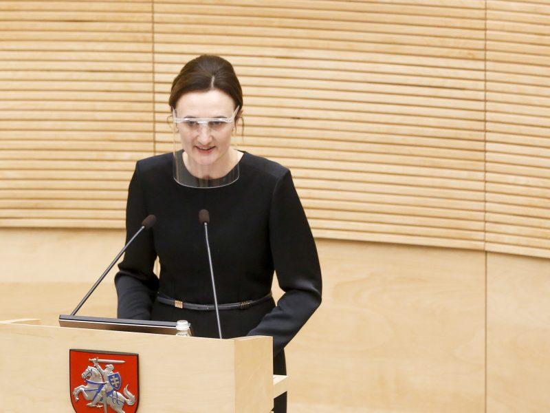 Seimo pirmininkė: kišimasis į parlamento darbą eliminuojant jo narius – grėsmė Konstitucijai
