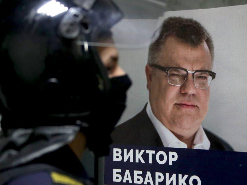 Svarbus Baltarusijos opozicijos veikėjas apkaltintas kyšininkavimu ir sukčiavimu