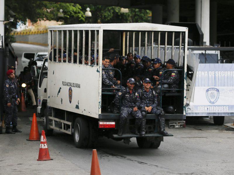 Venesueloje per riaušes areštinėje žuvo mažiausiai 29 žmonės