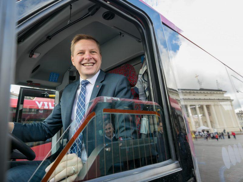 Vilniuje pristatyti pirmieji Lietuvoje elektriniai autobusai