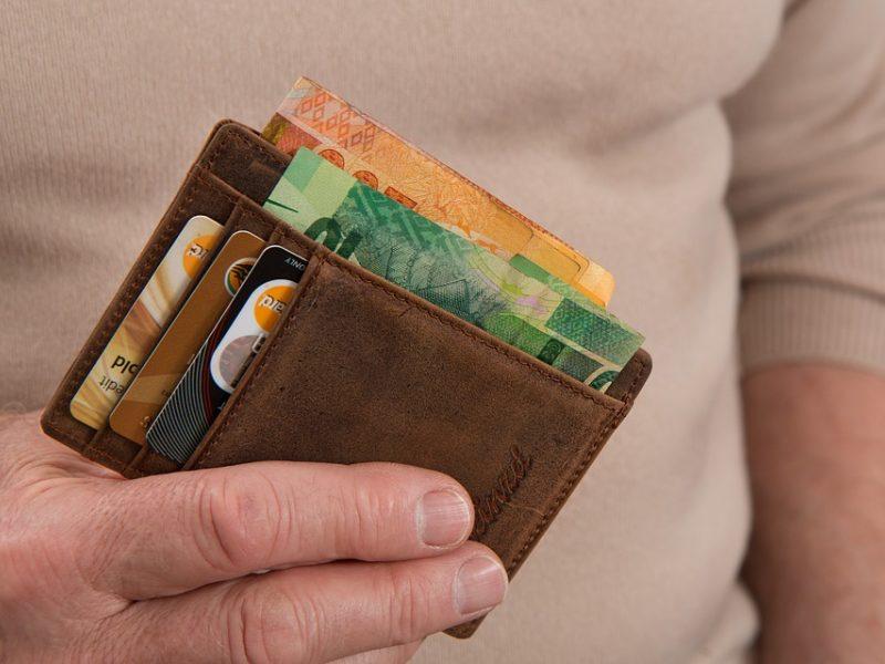 Tūkstančiams gyventojų – VMI kvietimas papildyti pinigines