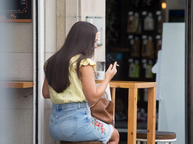Ispanijos Galisijos regione uždrausta rūkyti, jei neįmanoma laikytis fizinio atstumo