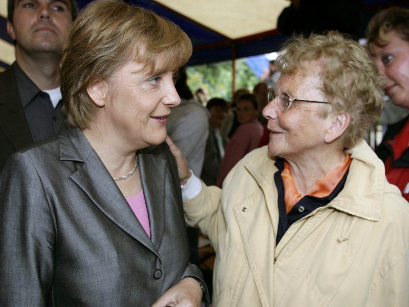 Mirė Vokietijos kanclerės A. Merkel motina