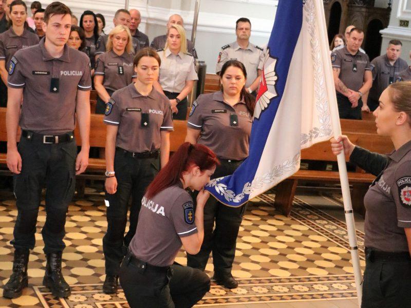 Kauno policijos pareigūnų priesaika ir apdovanojimai