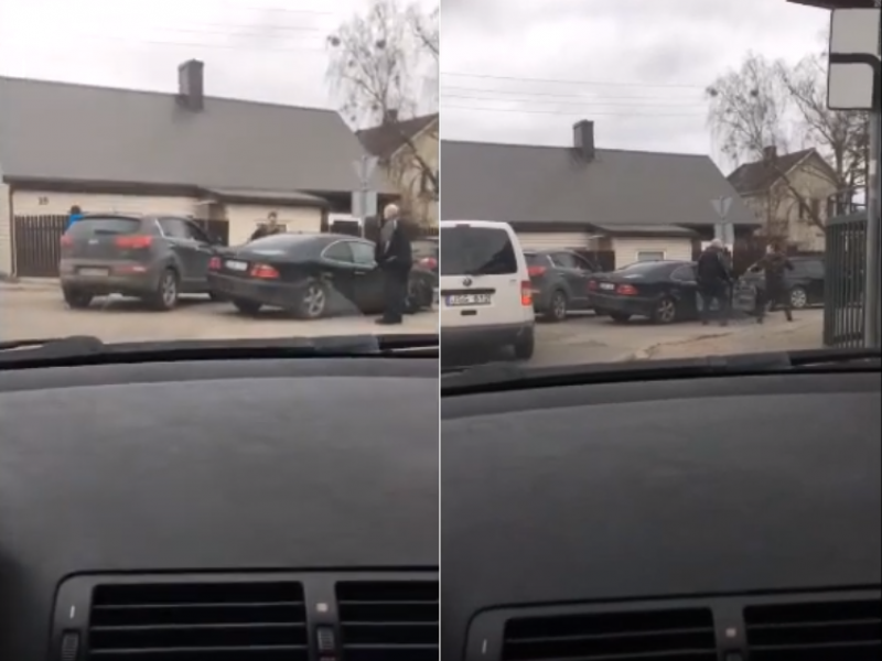 "Vilijampolėje ""Mercedes-Benz"" rėžėsi į kelis automobilius"