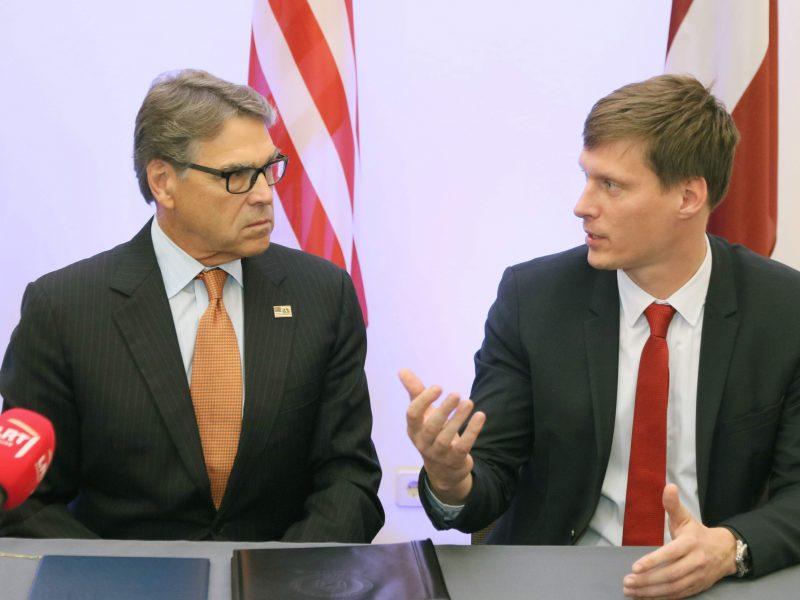 Latvijos ekonomikos ministras: JAV sankcijų poveikis mūsų ekonomikai dar neįvertintas
