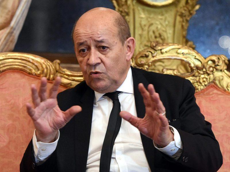 """Prancūzija ragina """"smarkiai"""" spausti Libaną suformuoti naują vyriausybę"""