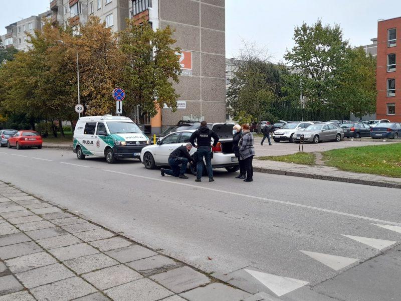 Moteris apie policijos pareigūnus: šaunuoliai, nepaliko bėdoje