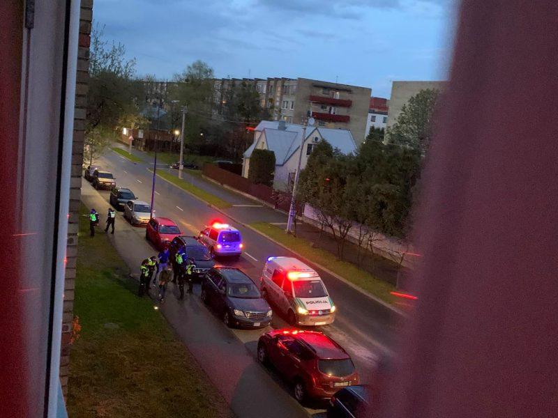 Incidentas Partizanų gatvėje: policijai nepaklusęs 19-metis prisidarė teisinių problemų