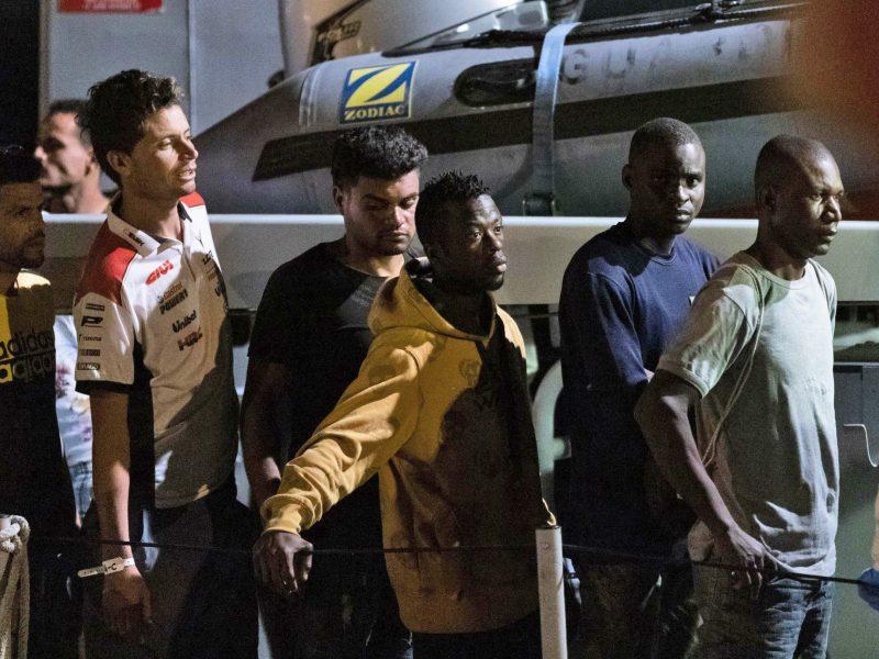 Prie Italijos krantų įstrigusius migrantus sutiko priimti penkios ES šalys