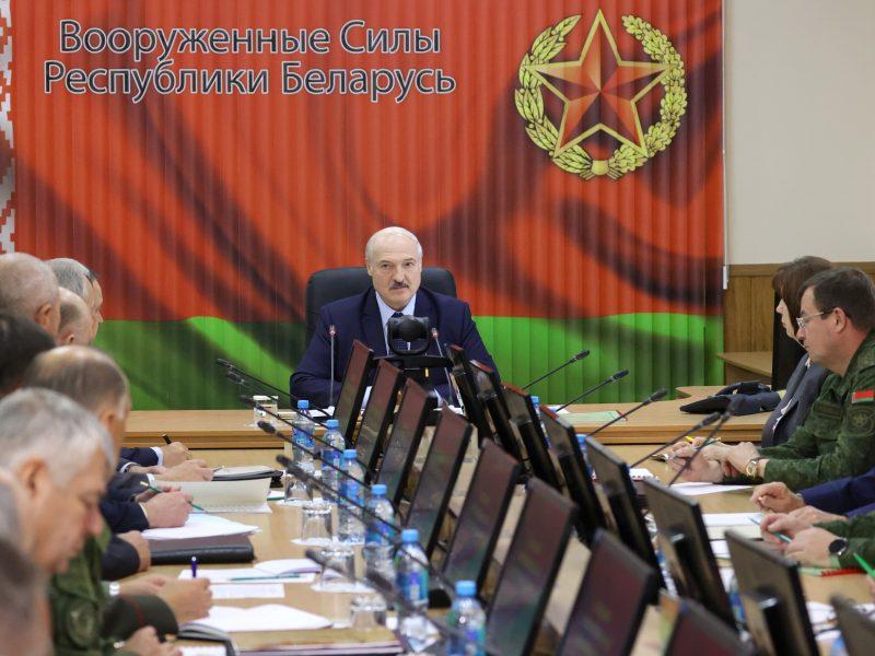 Penkios Europos šalys prisijungė prie ES sankcijų Baltarusijai