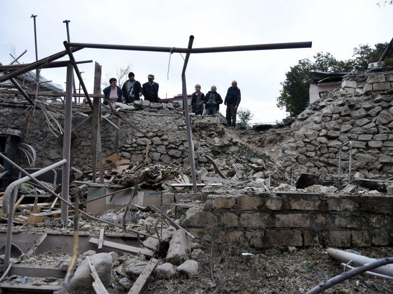 V. Putinas: atsinaujinusio konflikto Kalnų Karabache aukų skaičius artėja prie 5 000