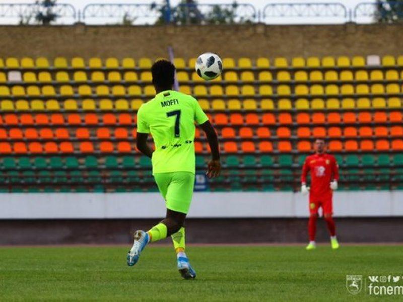 """""""Riterių"""" futbolininkai iškovojo pergalę Palangoje ir pakilo į trečiąją vietą"""
