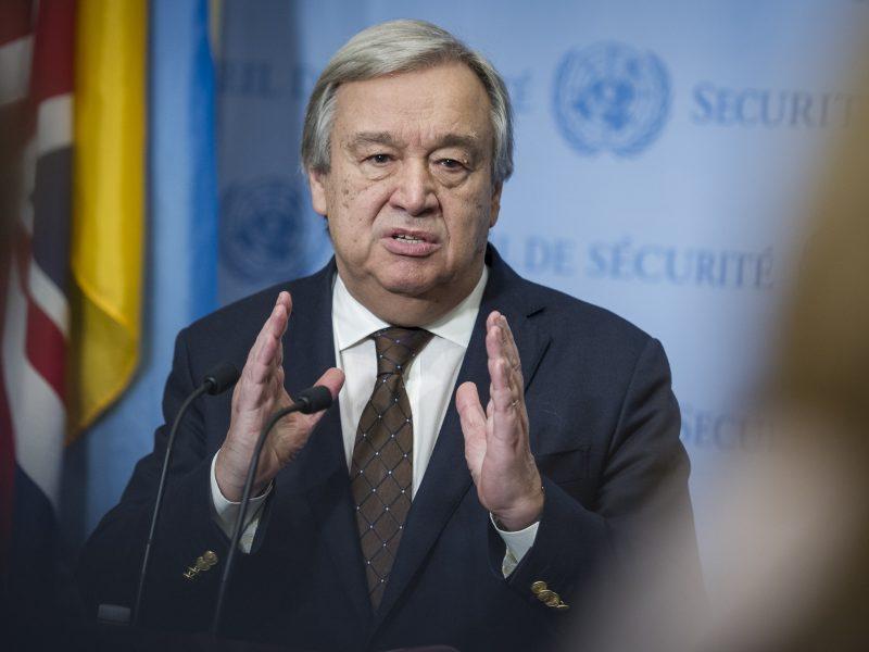 Iranui numušus JAV droną JT vadovas ragina visas šalis elgtis santūriai