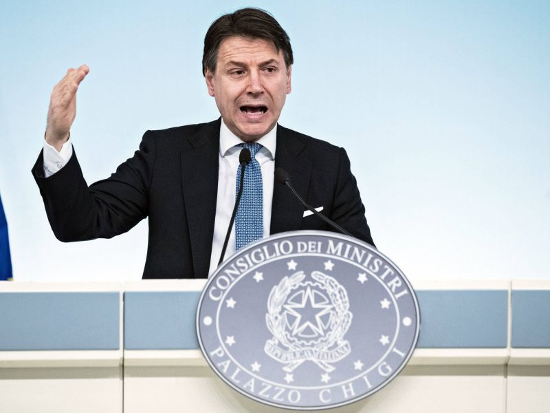 Italijoje už karantino pažeidimus įvedamos iki 3 000 eurų baudos