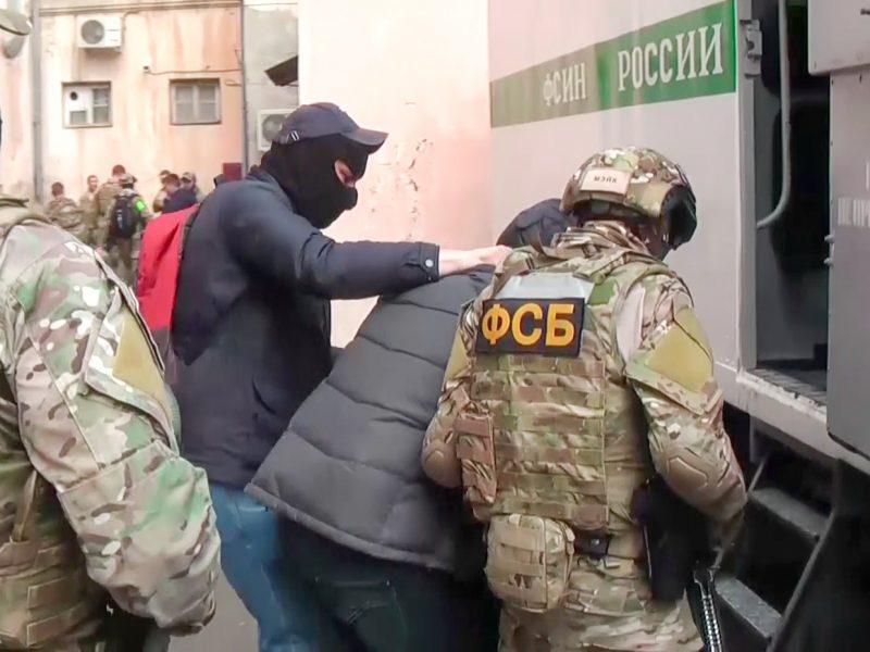 Penki Rusijoje uždraustos Krymo islamistų kuopelės nariai kalės nuo 12 iki 17 metų