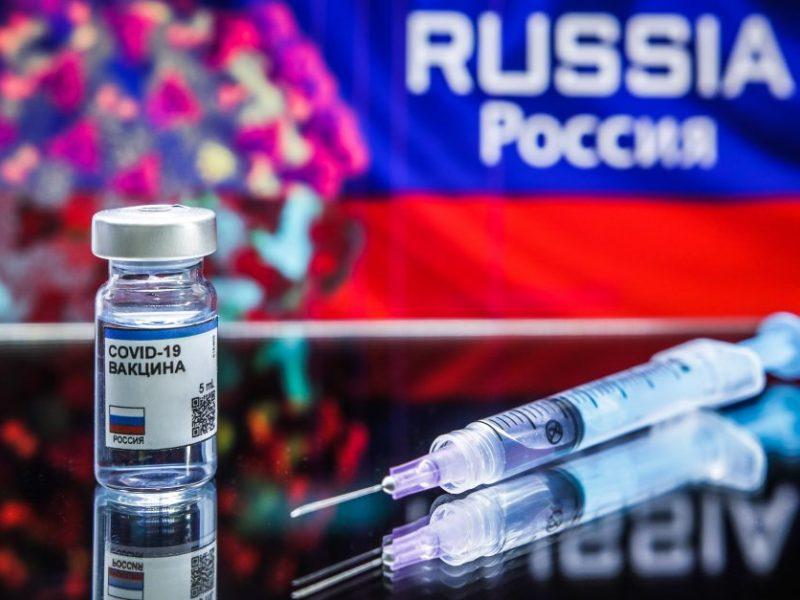 Vengrija tapo pirmąja ES nare, patvirtinusia rusišką vakciną nuo COVID-19