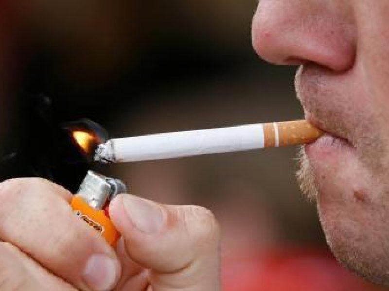 Seimas 3,5 karto padidino baudas už rūkymą draudžiamose vietose