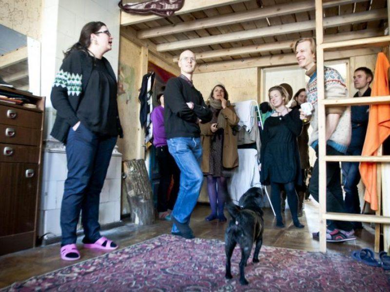 Tilto namuose – linksma jaunų žmonių bendruomenė