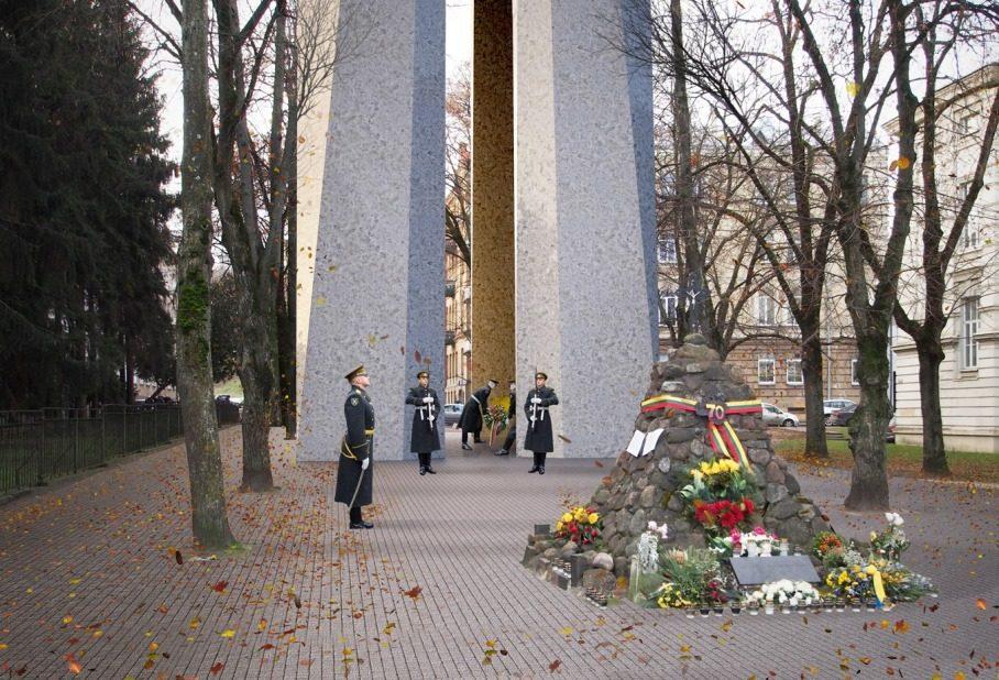 http://www.diena.lt/sites/default/files/styles/940x000/public/memorialas_auku_gatveje_ambraso_architektu_biuro_vizualizacija.jpg?itok=MU9j7Wtp