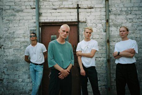 """Roko muzikos grupė """"ba."""" pristato naują kūrinį ir kviečia į koncertą Lukiškių kalėjime"""