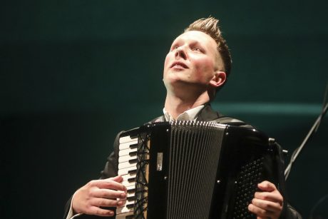 M. Levickis nepaliauja ieškoti sodraus akordeono skambesio: Botanikos sode rengia koncertą