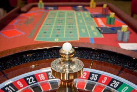 yra prekybos galimybės tokios kaip azartiniai lošimai)