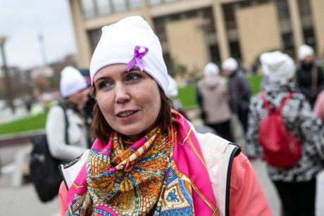 Siūlo suteikti pagalbą Lenkijos moterims, norinčioms nutraukti nėštumą dėl apsigimimo