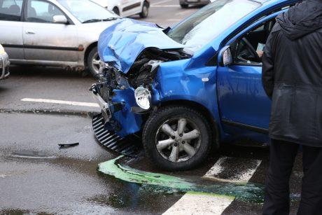 Vilniuje – masinė avarija: Ozo gatvėje susidūrė net šeši automobiliai