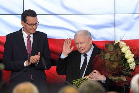 Politologė: Lenkijos parlamento rinkimuose didelį vaidmenį atliko bažnyčia