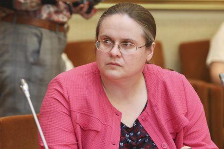 A. Širinskienė įtaria dokumento klastojimą, kreipėsi į Seimo kanclerę