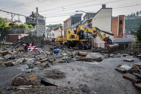 Belgijos pietuose po smarkių potvynių prasidėjo šiukšlių krizė