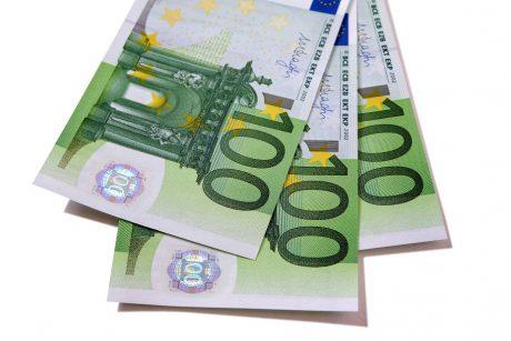 Darbą baigianti Vyriausybė atsisako planų skirti 100 eurų išmokas švietimiečių poilsiui