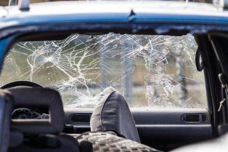 Per savaitę eismo įvykiuose žuvo du žmonės, sužeisti 69, tarp jų – 9 nepilnamečiai