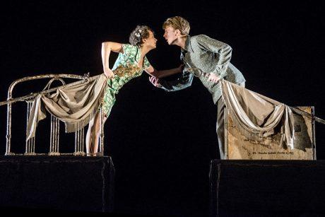 """W. Shakespeare'o ir O. Koršunovo """"Romeo ir Džuljeta"""" – VU Didžiajame kieme"""