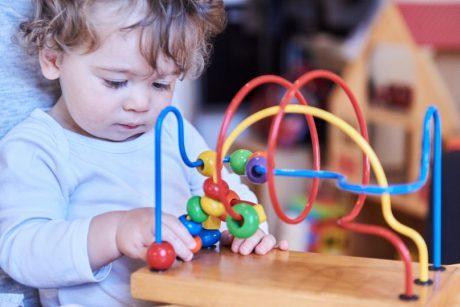 Psichologė apie vaikų ugdymą: pasaką kuria ne žaislų kiekis, o fantazija