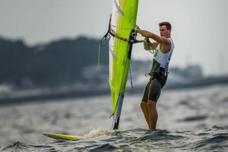 Burlentininkas J. Bernotas Tokijo olimpinėse žaidynėse įveikė dar tris etapus